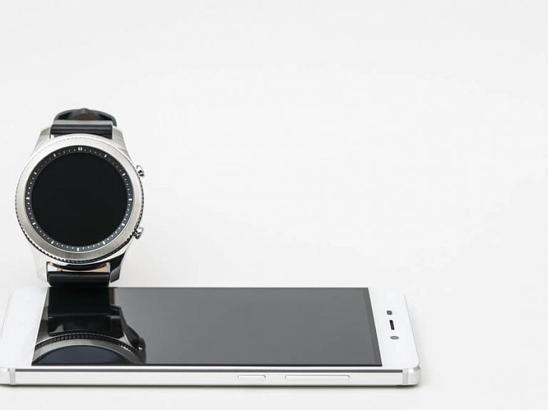 Ko piedāvā jaunais Samsung Galaxy S21 viedtālrunis un Samsung Watch 3 viedpulkstenis?
