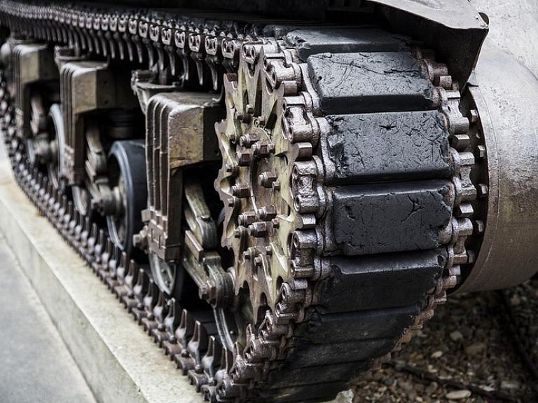 Lietuva parakstījusi nepilnu 386 miljonu eiro vērtu līgumu ar Vāciju par 88 bruņumašīnu