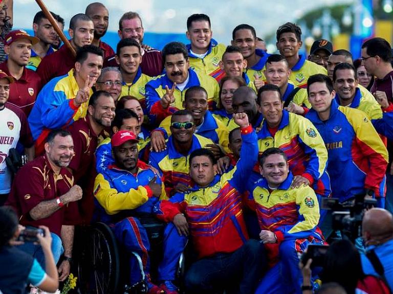 Visi Venecuēlas olimpiskās komandas 87 dalībnieki, kas piedalījās Riodežaneiro olimpiskajās spēlēs, saņems bezmaksas mājokļus no valdības.