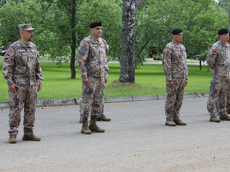 Aptauja: Vairums Latvijas iedzīvotāju (61%) uzticas Zemessardzei.