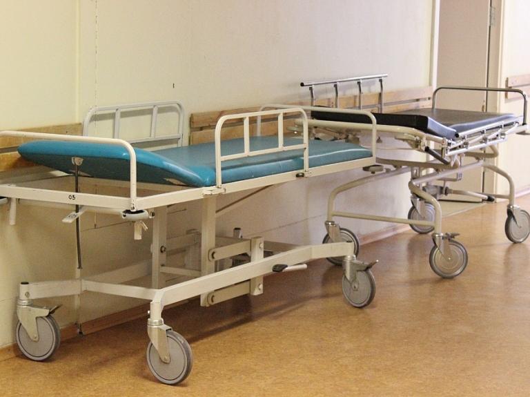 Premjers atzīst, ka vēlreiz nāksies reformēt slimnīcu sistēmu