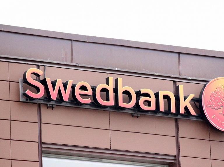"""""""Swedbank"""" Latvijā pērn strādāja ar 104 miljonu eiro peļņu"""