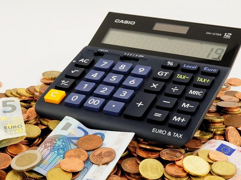 Gerhards: Dažas pašvaldības nekaunas pieņemt budžetu ar četrām rindiņām