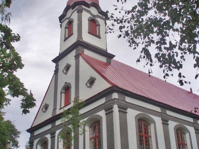 Lēdurgas evaņģēliski luteriskā baznīca