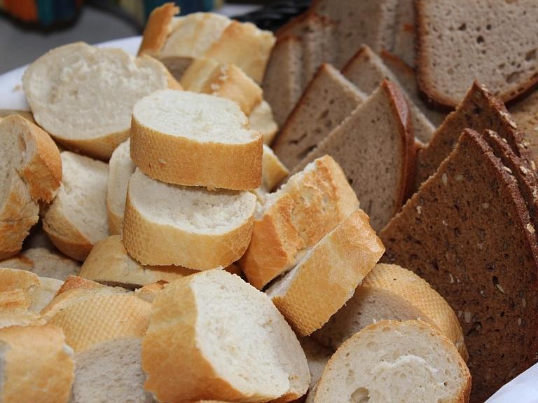 Baltmaize tikpat veselīga kā pilngraudu maize