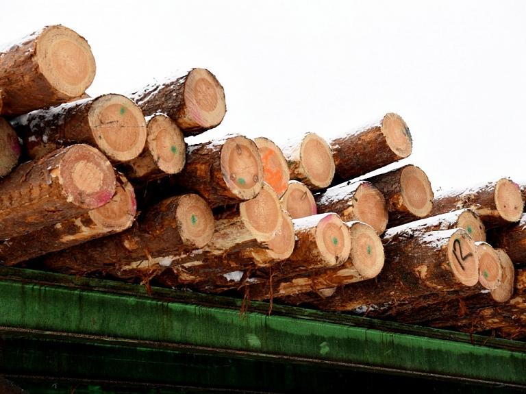 """""""Jēkabpils kokapstrāde"""" plāno ieguldīt 3,4 miljonus eiro zāģmateriālu žāvēšanas iekārtās"""