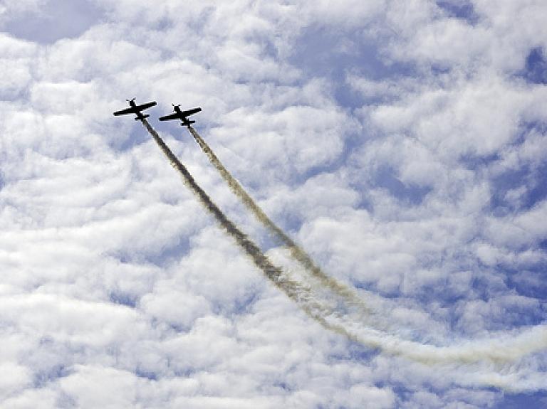 """airBaltic"" Pilotu akadēmiju absolvējuši pirmie 12 studenti"