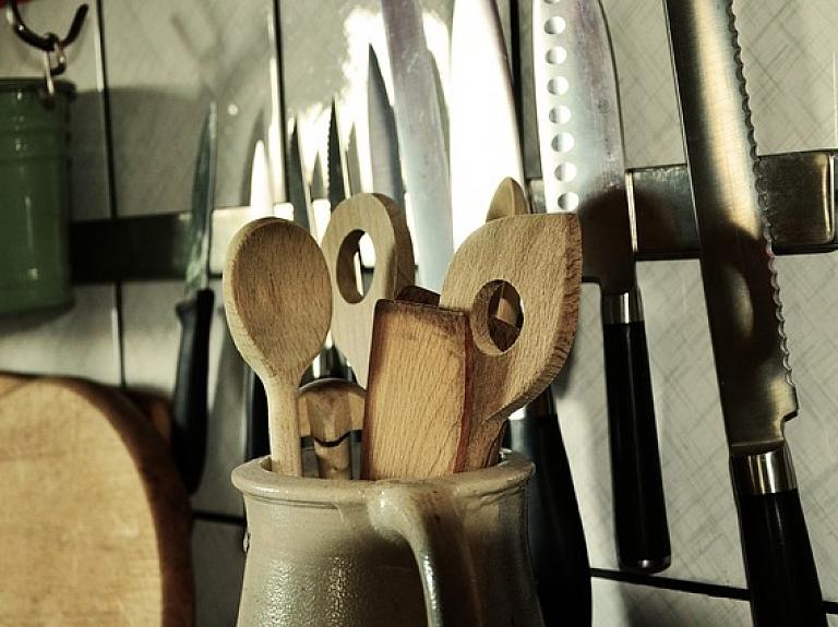 """Virtuves trauku un piederumu ražotājs """"Fissman"""" investē 60 000 eiro jauna veikala izveidē"""
