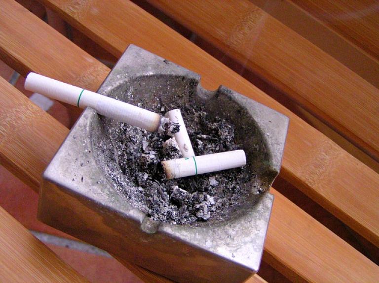 Notiks diskusija par smēķēšanas kaitējuma samazināšanu