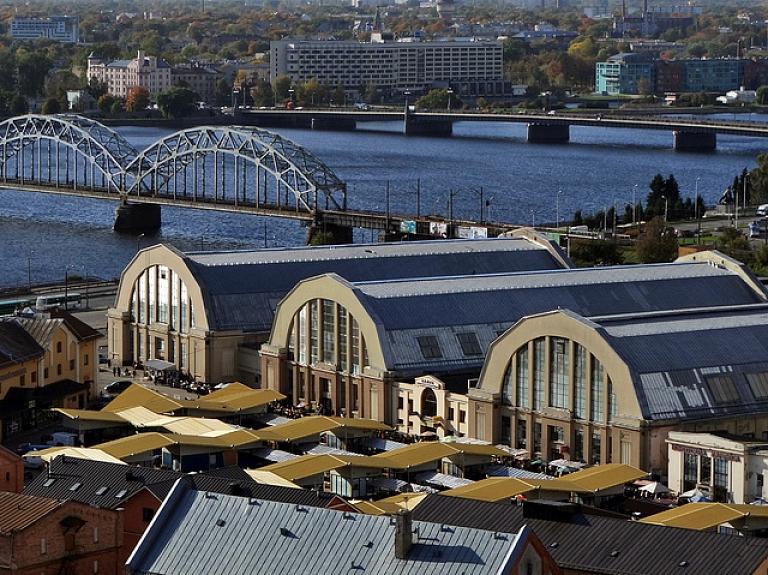 Rīgas dome nepieciešamības gadījumā jau šonakt sāks Centrāltirgus teritorijā esošo kiosku demontāžu