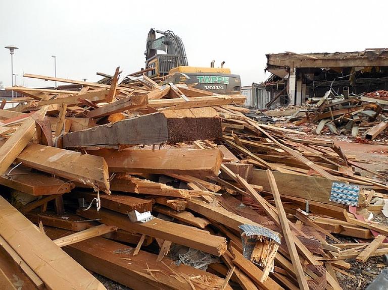 Sākti kiosku demontāžas darbi Rīgas Centrāltirgus teritorijā