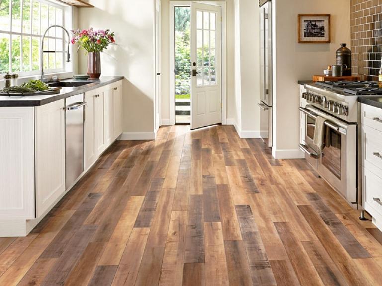 Grīdas ieklāšana virtuvē – kādu segumu izvēlēties