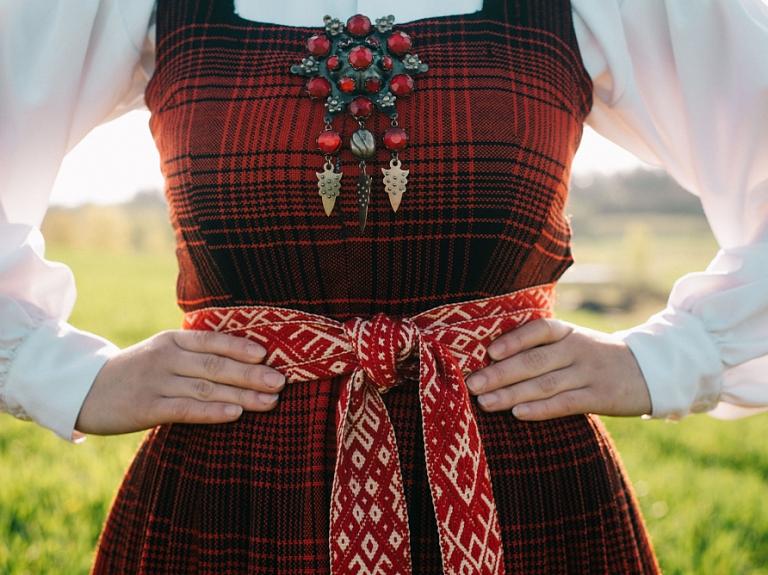 Etnogrāfiskie tautastērpi Vidzemē – kādi tie bija?