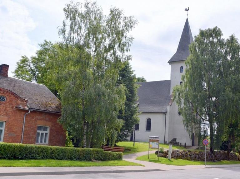 Priekules luterāņu baznīca