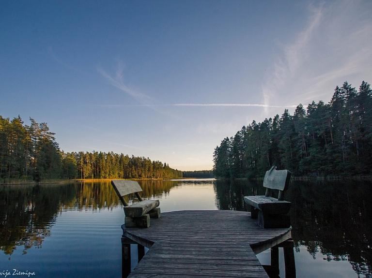 """Latvijas Valsts mežu rekreācijas zona """"Niedrāja ezers un apkārtne"""""""