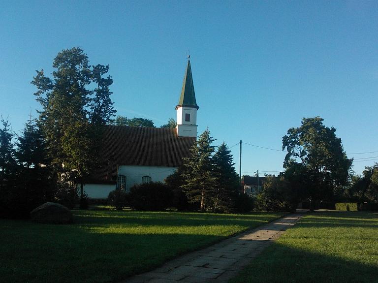 Alojas evaņģēliski luteriskā baznīca
