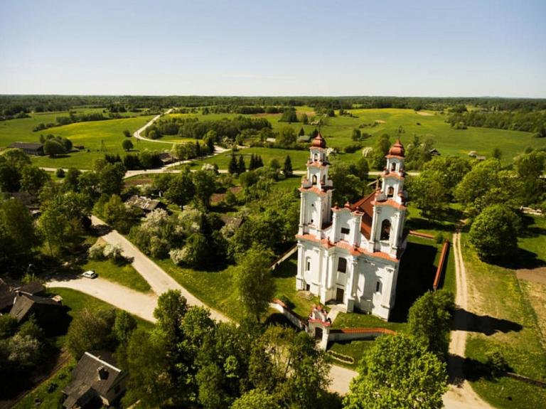 Pasienes Sv. Dominika Romas Katoļu baznīca