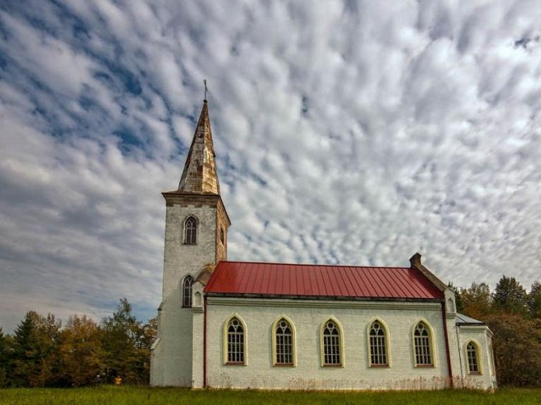 Kalupes evaņģēliski luteriskās draudzes baznīca