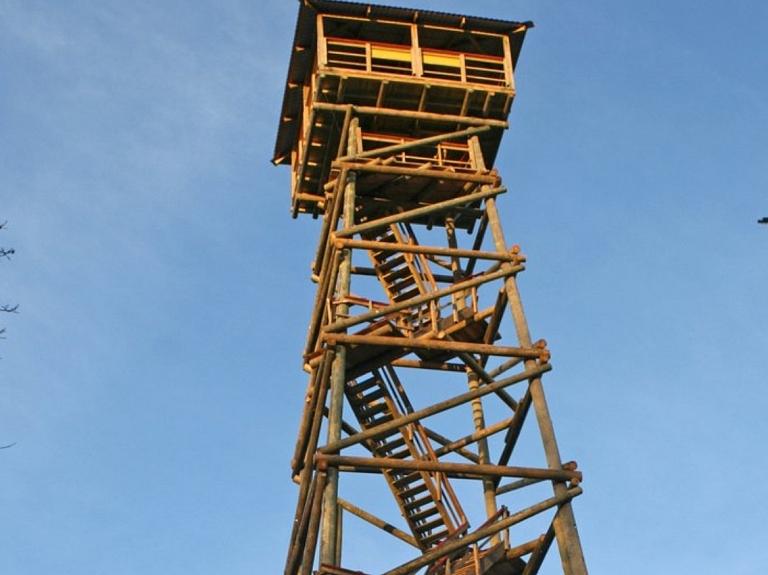 """Dabas parks """"Talsu pauguraine"""" un Kamparkalna skatu tornis"""