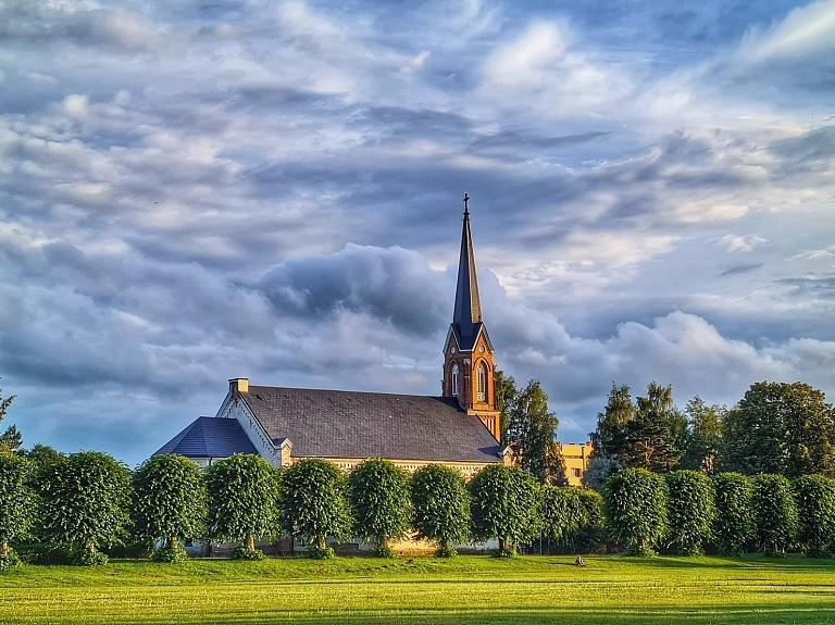 Piņķu Jāņa evaņģēliski luteriskā baznīca
