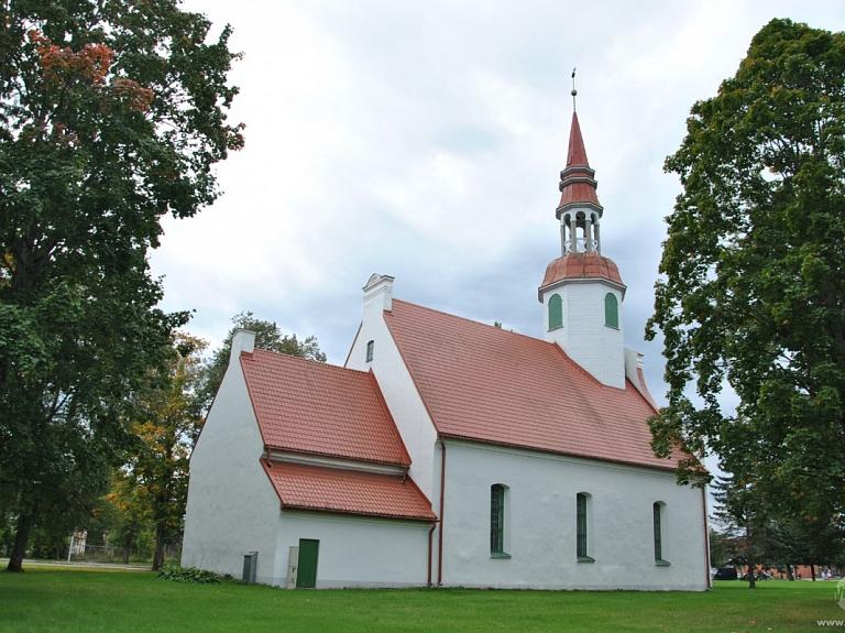 Valkas - Lugažu Evaņģēliski luteriskā baznīca