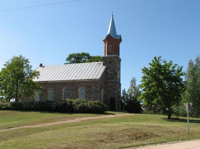 Varakļānu Sv. Krusta evanģēliski luteriskā baznīca