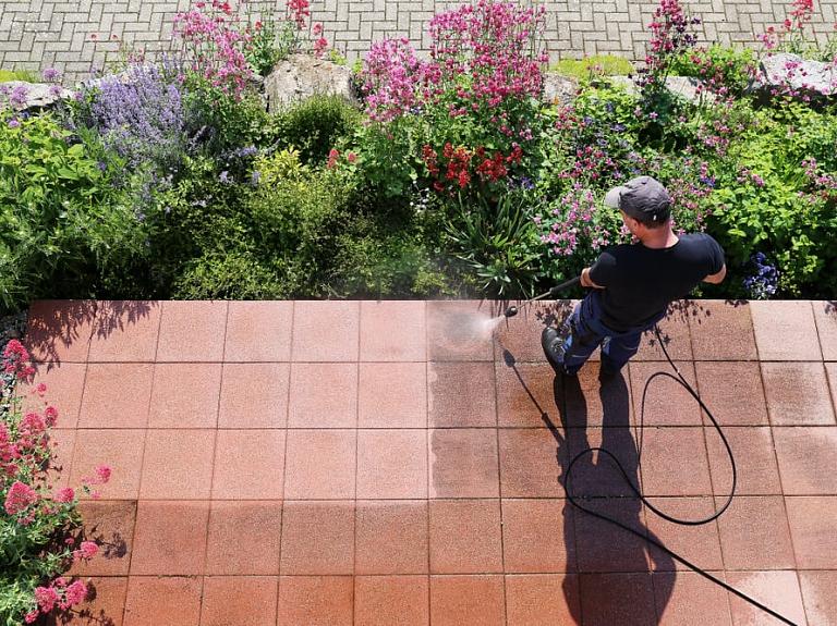 3 noderīgi palīgi tavā ikdienā un dārza darbos