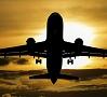Foto: Pixabay|Kāds tūrists Madrides Barahasas lidostā, kurš nokavējis iekāpšanu lidmašīnā, pa skrejceļu dzinies tai pakaļ.