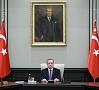 Foto: REUTERS/ LETA|Turcija kopš apvērsuma mēģinājuma pagājušajā mēnesī atstādinājusi no amata vai atlaidusi 81 494 valsts dienesta darbiniekus.