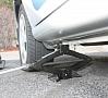 Foto: Pixabay|Mediķi saņēmuši izsaukumus uz diviem savstarpēji nesaistītiem līdzīgiem negadījumiem Vidzemē, kur, remontējot automašīnas, tās, iespējams, nenostiprinātas, uzkritušas virsū remontdarbu veicējiem - kādam 56 gadus vecam un kādam 62 gadus vecam vīrietim.
